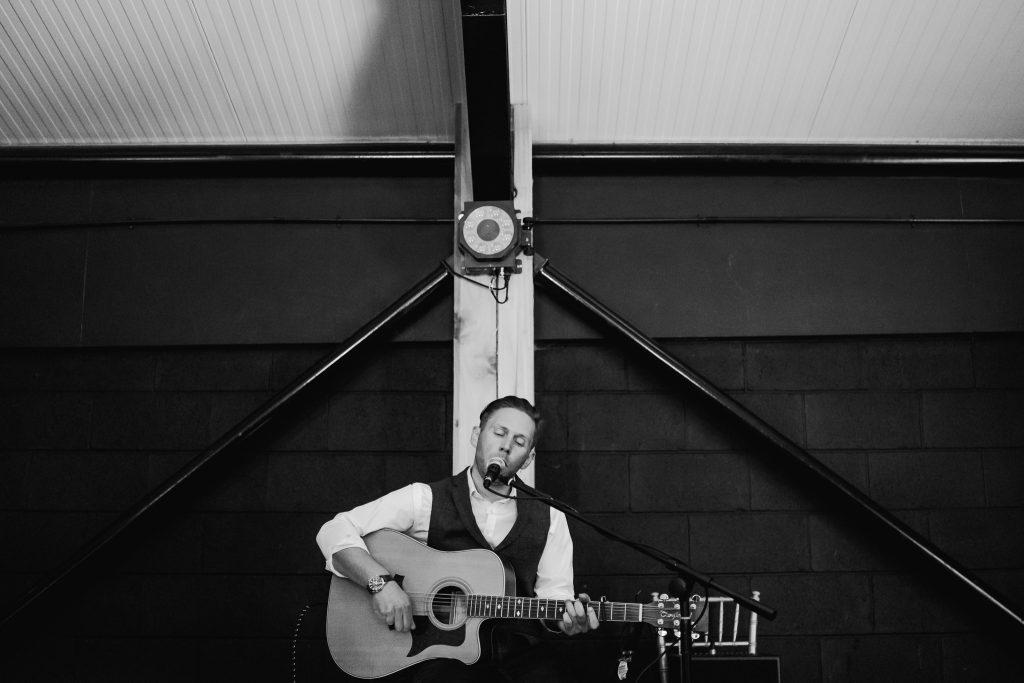 Dave Rees Wedding singer